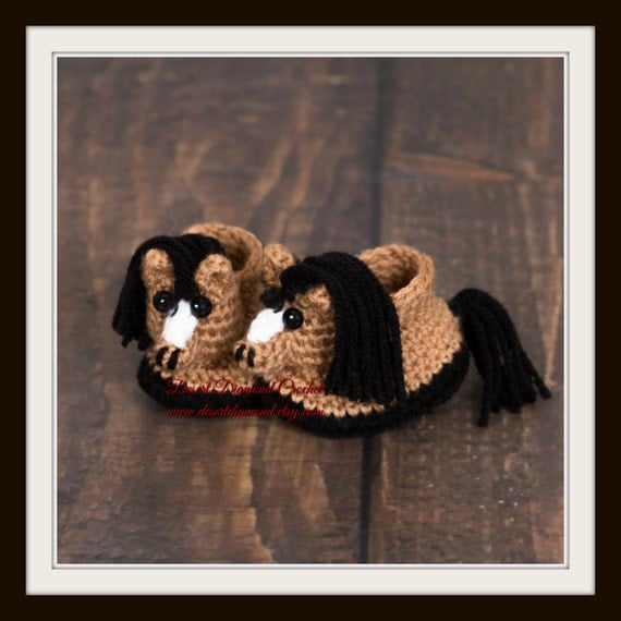 Crochet Pattern 118 - Horse Pony Baby Booties - 5 Sizes