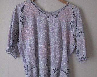 1980s Open Cutwork Blouse Top Lavender Floral Print