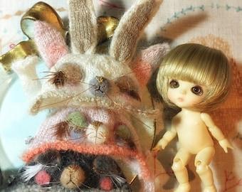 Jiajiadoll- hand knitting bunny wonderland - pink grey white Sleeping rabbit bunny helmet hat fits  Lati White Lati yellow pukipuki pukifee