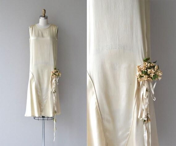 vente robe de mari e annecy id es et d 39 inspiration sur le mariage. Black Bedroom Furniture Sets. Home Design Ideas