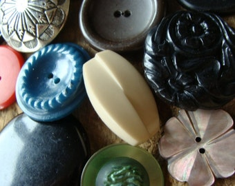 16 Antique and Vintage Large Buttons Mixed Vintage Buttons Lot 406