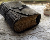 The Storyteller - Dark Brown Leather Journal, Extra Thick, Aged Paper, Vintage Key - OOAK