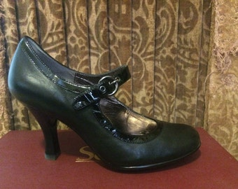 Black Mary Janes shoes- size 8