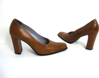 90s chunk heels pumps / 4 inch / saddle leather / 39 / 8.5