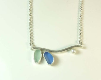 Sweet Sea Glass Petal and Pearl Necklace