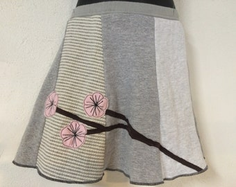 Kids/Girls Skirt gray with Flower Appliqué T-Skirt Upcycled, recycled