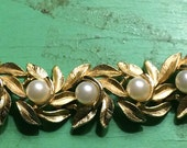 Vintage Trifari Gold & Pearls Link Bracelet