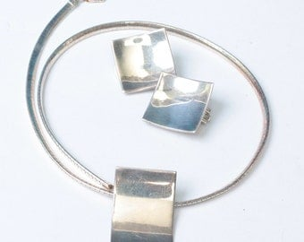 Modernist Sterling Necklace Earring Set Serpentine Chain Italy Slide Pendant Concave Vintage