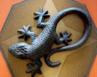 Hand Painted Cast Iron Lizard