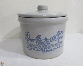 Crock Stoneware Grease Jar with Lid Wagon wheel Design in Blue