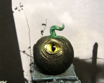 Spooky Eye Pumpkin dollhouse miniature, Halloween, creepy, horror, haunted in 1/12 scale