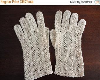 sale Vintage Ecru Crocheted Shorties Gloves from 60s