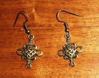 Steampunk/Victorian/Renfair filigree bronze colored earrings