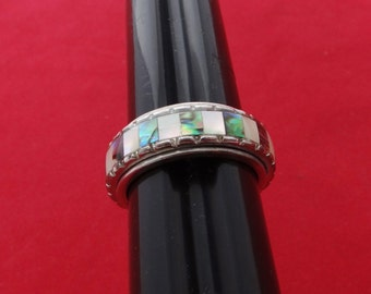 Vintage silver tone size 8.75 ring with gorgeous mother of pearl inlay in great condition