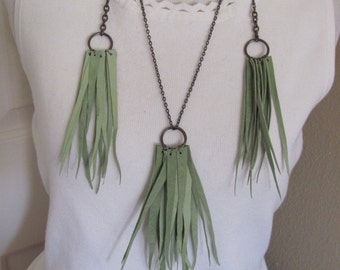 Beautiful Green Soft Suede Leather Fringe Necklace and Earring Set (47C)