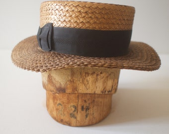 "Antique Balsa Wood Hat Mold 22.5"""