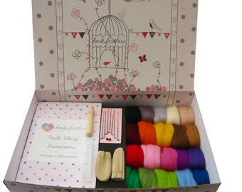 Heidifeathers Boxed Needle Felting Starter Kit