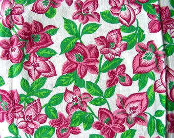 Vintage FEEDSACK Flour Sack  Cotton Fabric - PRETTY Red, Pink  & Green Flowers - 35 x 32