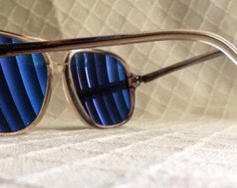 Vintage aviator sunglasses thick plastic frames