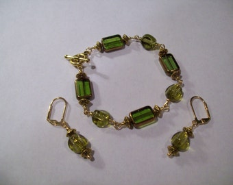 Olive Glass Bracelet With Matching Earrings