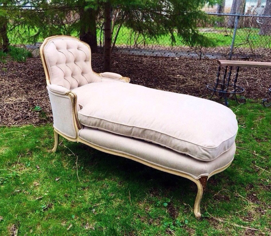 Antique french provincial chaise lounge for Antique french chaise lounge