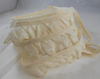 Ivory Patterned Heart and Tree Lace 1 inch wide - 3 Yards Quality Cotton Lace
