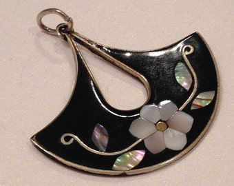 Flower Pendant Onyx Mother of Pearl Abalone