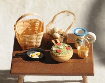 country kitchen dollhouse lot, baskets, eggs, wood mug, salad bowl, food
