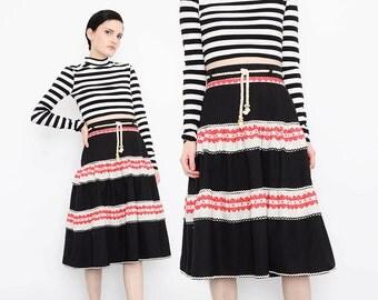 Vintage Red Hearts Folk Art Tiered Skirt Novelty Print Lolita Dolly Full Sweep High Waist Ruffled Skirt Black White Medium M