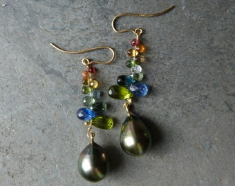 Earrings with 18 kt yellow gold,  tahitipearls, precious stones: IMPORTANT, French vat is included,off 20% for US and canadian buyers