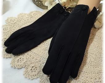 Vintage Ladies Black Finger Gloves, Floral Rosette Detail, Size 6 1/2 - 7,  Cool Weather Hand Protection