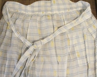 Grandma's Apron, Vintage Kitchen Apron, Soft Blue Gingham Apron, Cooking Apron, Size Small to Large Vintage Apron, Tie In the Back Apron