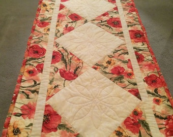 Quilted Poppy Tablerunner