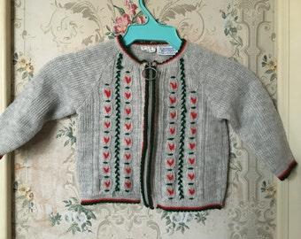 vintage gray sweater with folk print 12-18m