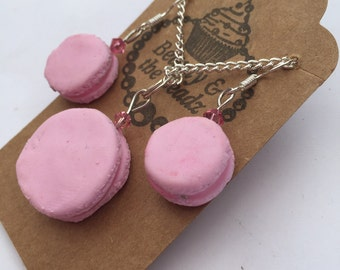 Fun pink macaroon necklace and earrings set