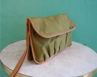 vintage 70's levi's olive green clutch handbag