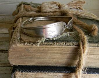 Spoon Bracelet, Spoon Handle Bangle Bracelet, Spoon Jewelry, Monogrammed Spoon Handle Bracelet, Silverware Jewelry, Silverware Bracelet Cuff