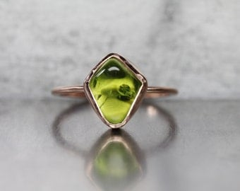 14K Rose Gold Peridot Engagement Ring Polished Raw Arizona Natural Crest Rough Olive Green Gemstone Delicate Bridal Band - Tumbled Kite