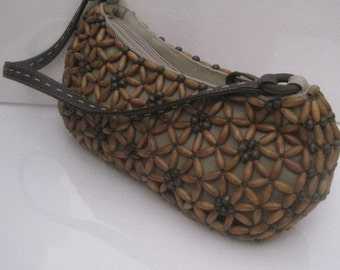 Wooden Beaded Purse with Zipper Closure in Tan and Brown