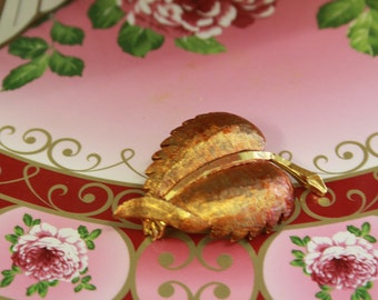 Vintage autumn leaf brooch