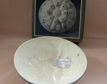 1983 Towle Gailstyn-Sutton Hand Painted Flower Mold for Food Preparation