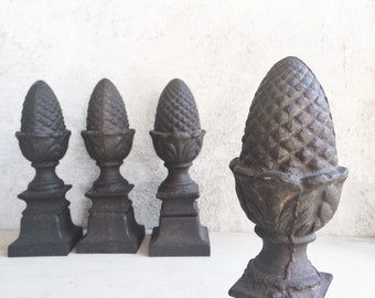 One vintage 4 pound cast iron acorn or pineapple finial home decor, architectural salvage paperweight shelf display, metal industrial decor