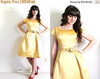 ON SALE 1950s Dress / 50s 60s Gold Dress / 50s Gold Party Dress