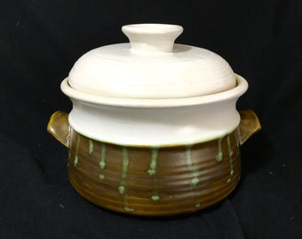 Covered Casserole hand GLAZED in USA minimally used