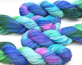 Handpainted worsted weight yarn, single ply merino wool