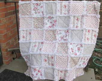 Baby girl rag quilt, baby rag quilt, rag quilt, baby quilt,  roses, Tanya Whelan