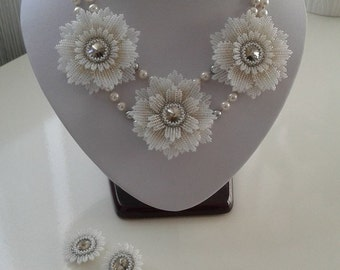Seed beads flowers necklace and earrings set