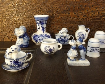 vintage collection delftware delft blue pottery signed figurine miniature mini decorative home decor collectible white holland dutch small