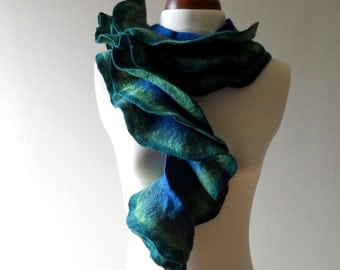 Felted Collar - blue and green - Ruffled - Neck Ruff
