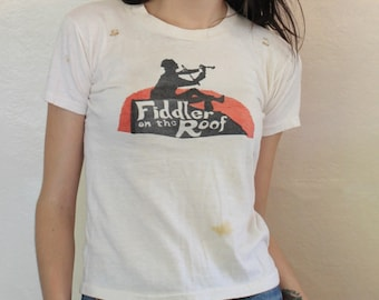 vintage 70s FIDDLER on the ROOF soft grimy T SHIRT x-small